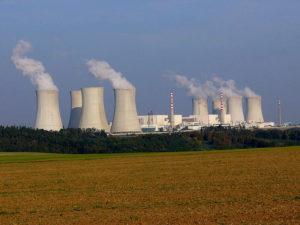 Stabilní dodávky elektřiny: V4 sází na jádro a uhlí