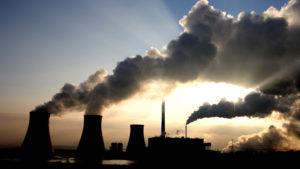 Na nefunkčním trhu s elektřinou vítězí uhlí. ČR by měla mít jasno, co v energetice chce