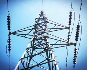Elektrárny vydělávají na přebytku energie v síti. Mění ji na teplo