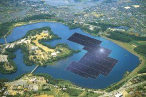 Místo uhelného dolu vznikla největší plovoucí solární elektrárna na světě
